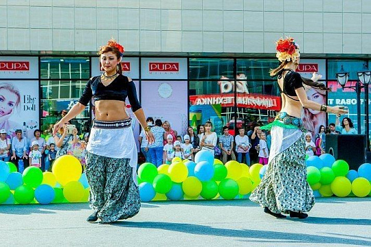 In the shopping complex Imperator in honor of the City Day was a family festival Atmosphere of the city-2018 -